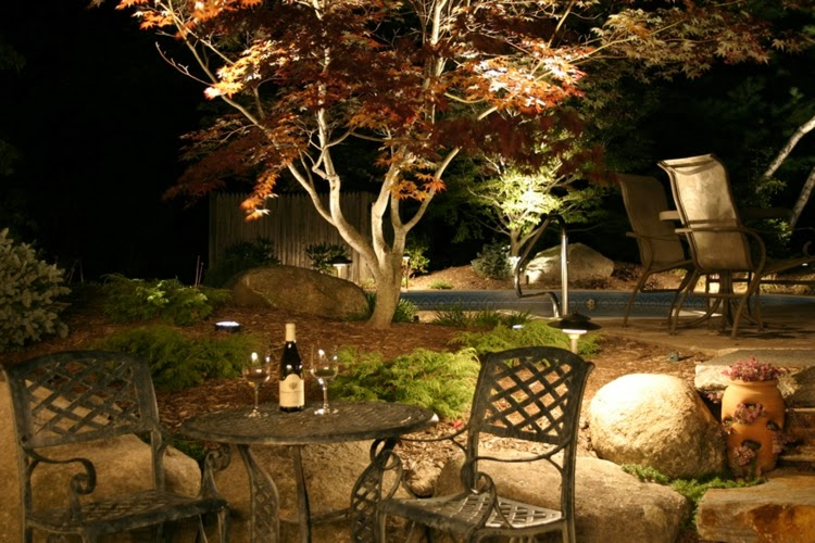 Romantic Backyard Dinner Ideas : How to use LED garden lights for garden decoration? 37 ideas