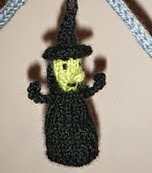 http://www.ravelry.com/patterns/library/titchy-witchy