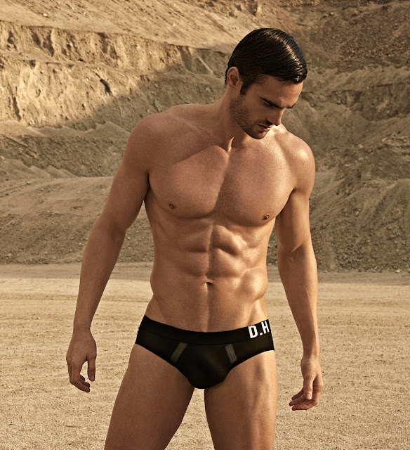 Thom evans rugby player