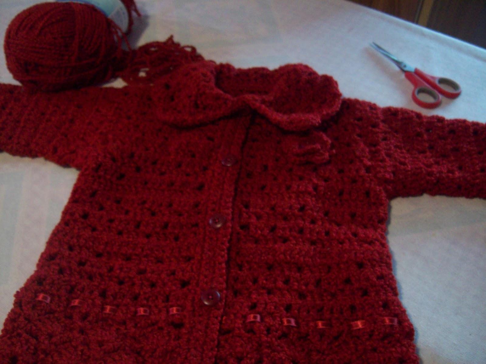usé una lana buclé de grosor mediano , y aguja núm 4