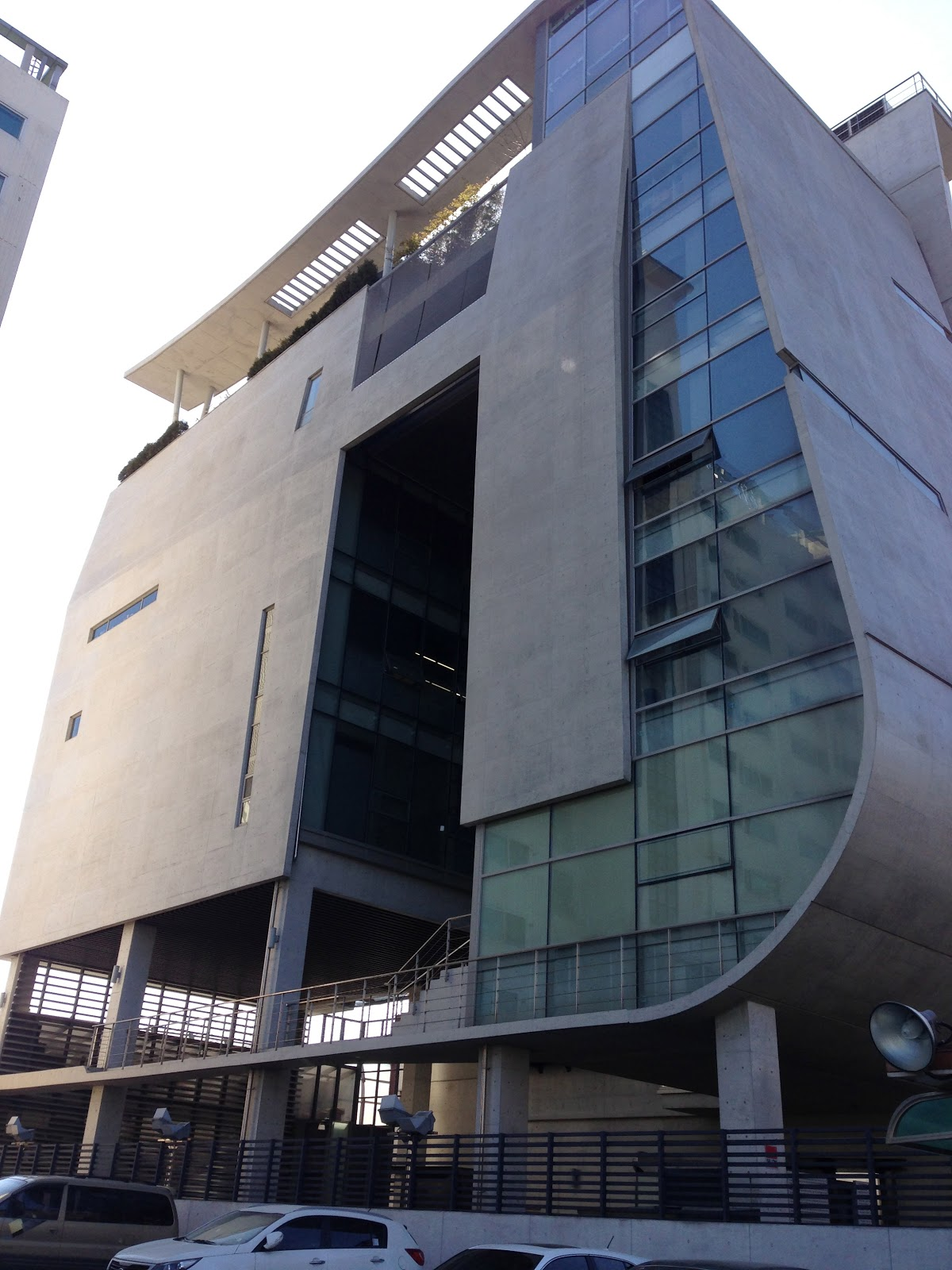 Heart and Seoul: YG Entertainment Building + MANdoo from ...