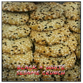 BLACK & WHITE SESAME CRUNCH