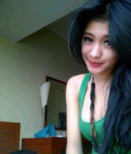 Martisha Gadis Cantik Suka Pamer Pic 10 of 35