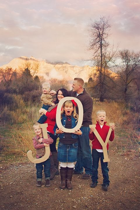 family christmas photo kids wrap parents in lights family and kids photography pinterest. Black Bedroom Furniture Sets. Home Design Ideas