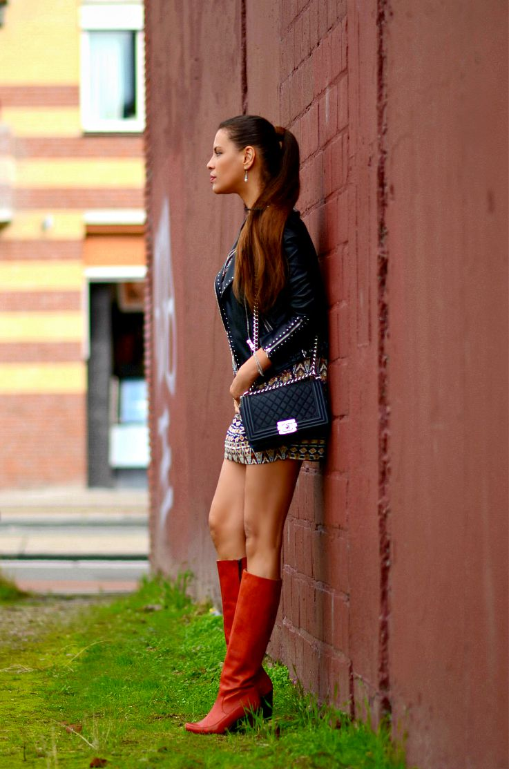 Tamara Chloé. Ethnic print dress, Seventies style dress,  Chanel boybag, Retro Knee high boots