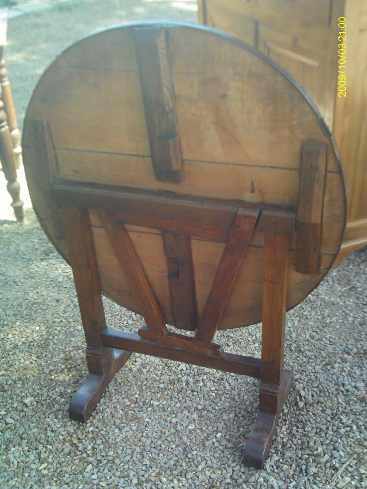 authentique petite table de vigneron ancien oenologie pliante rustique au fil du temps. Black Bedroom Furniture Sets. Home Design Ideas