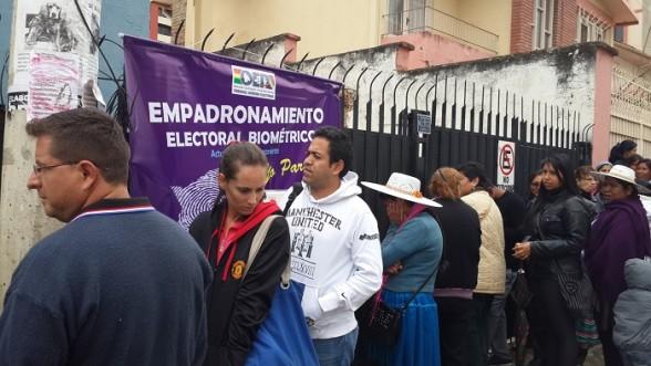 Jnn digital cochabamba habilitan 6 puntos de for Oficina empadronamiento