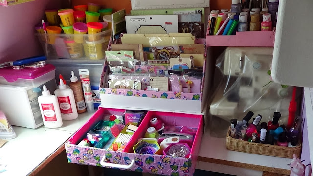 Organizing for scrapbook, stationery, office or escolare materials