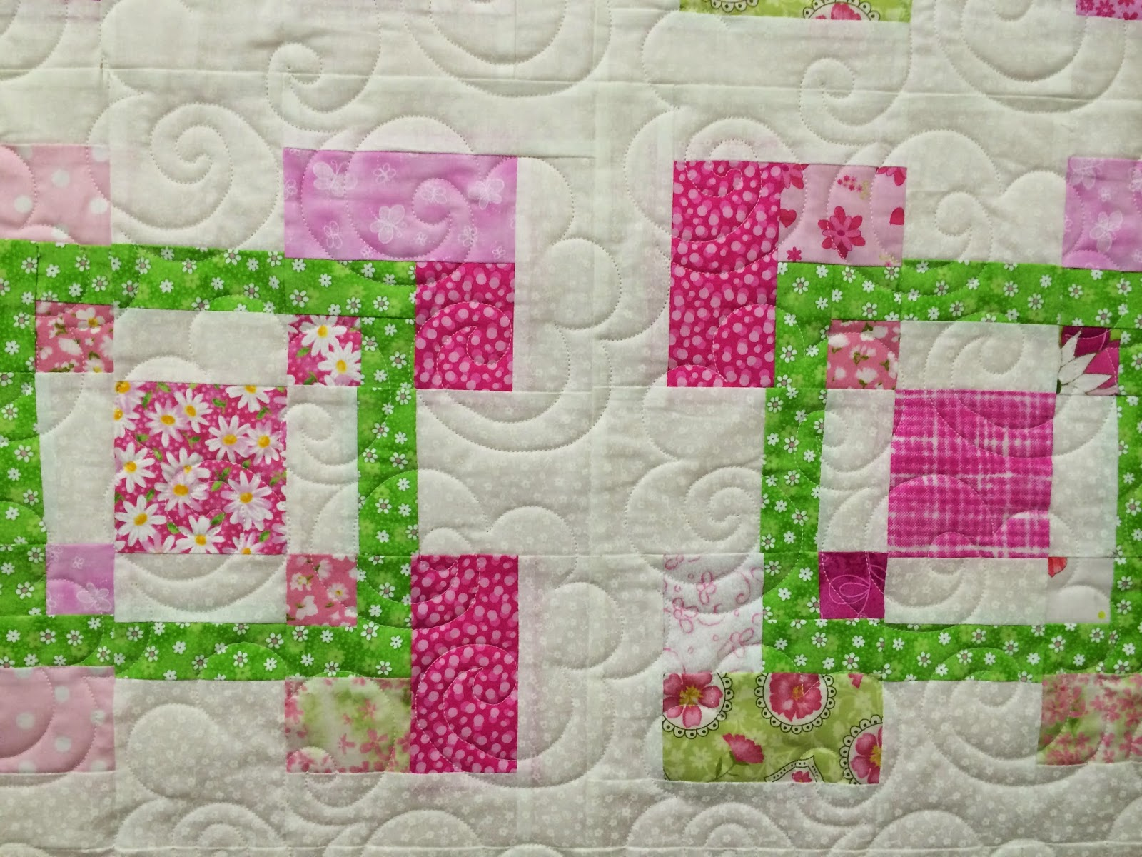Lisa McCluer's Multi-color Interlocking Block Quilt