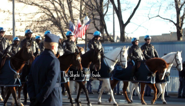 "<img src=""image.gif"" alt=""This is US Park Police Horseback Riding"" />"