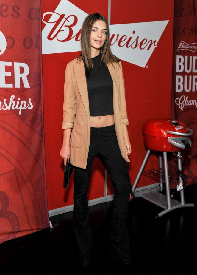 Emily Ratajkowski shows off abs at a Budweiser event in LA