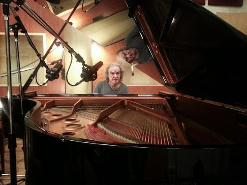 Benjamim Taubkin grabando en el nuevo PIANO YAMAHA C5 de Casa Frida Estudio