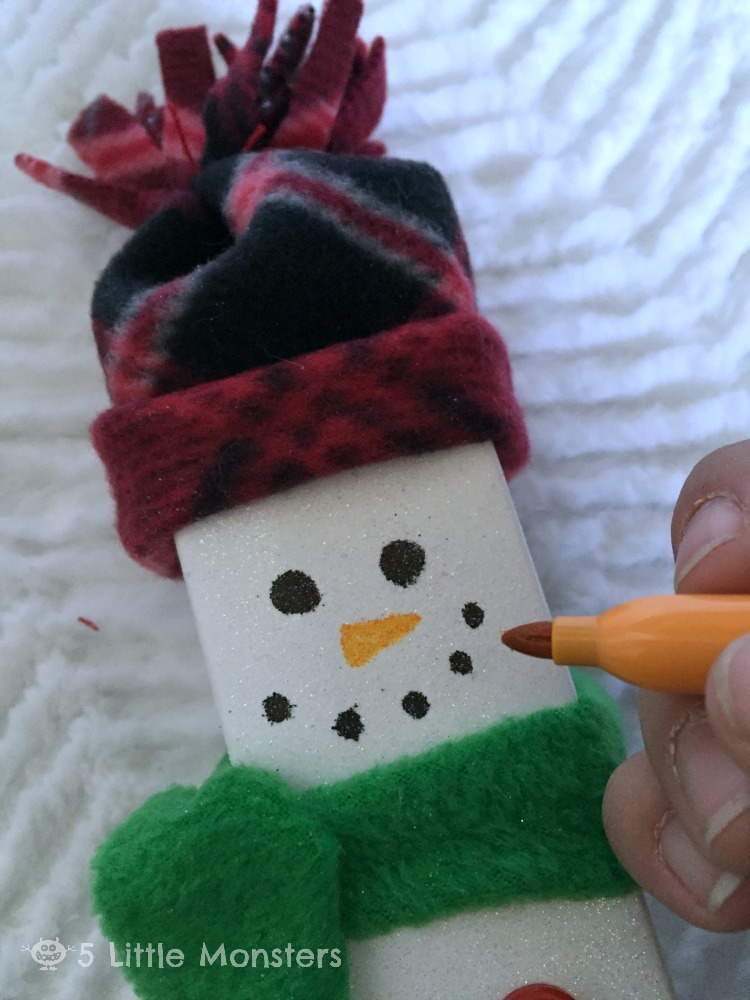 drawing snowman face