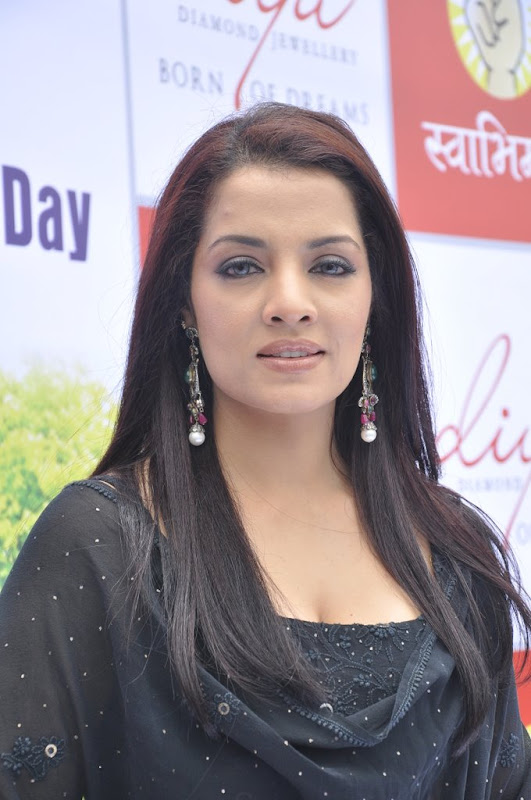 Celina Jaitley Hot Stills  Diya Diamonds World Environment Day Photoshoot images