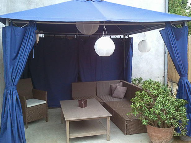 Cute cabana at Sunset Vacation Rental in Ocean Beach.