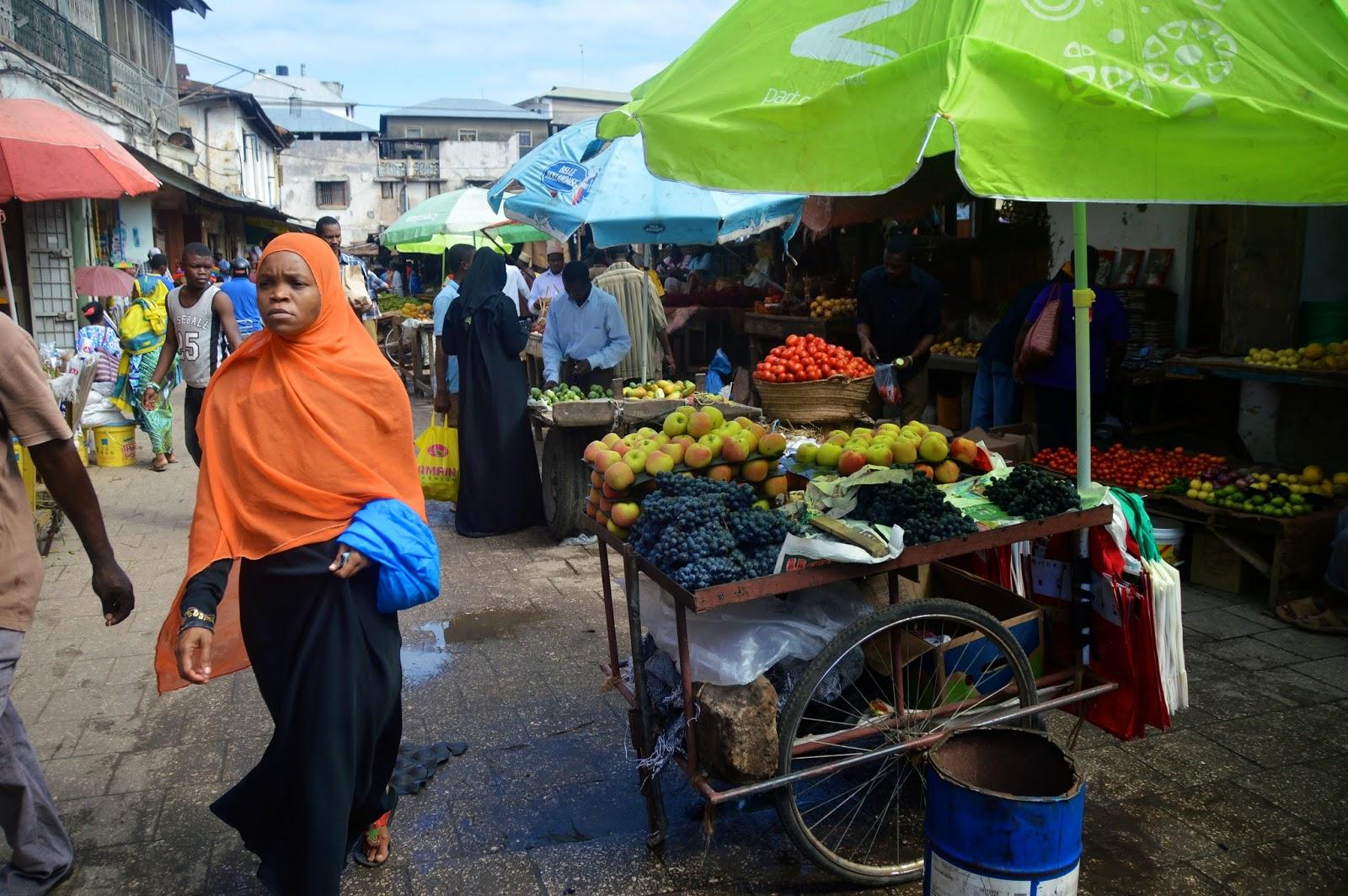 zanzibar tanzania market bazaar fruit