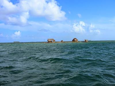 Isla en Guna Yala, San Andrés, Panamá, round the world, La vuelta al mundo de Asun y Ricardo, mundoporlibre.com