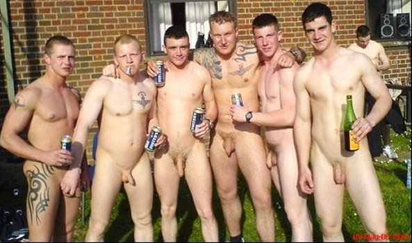 14 x PICS: BRITISH SCALLY LADS CAUGHT NAKED