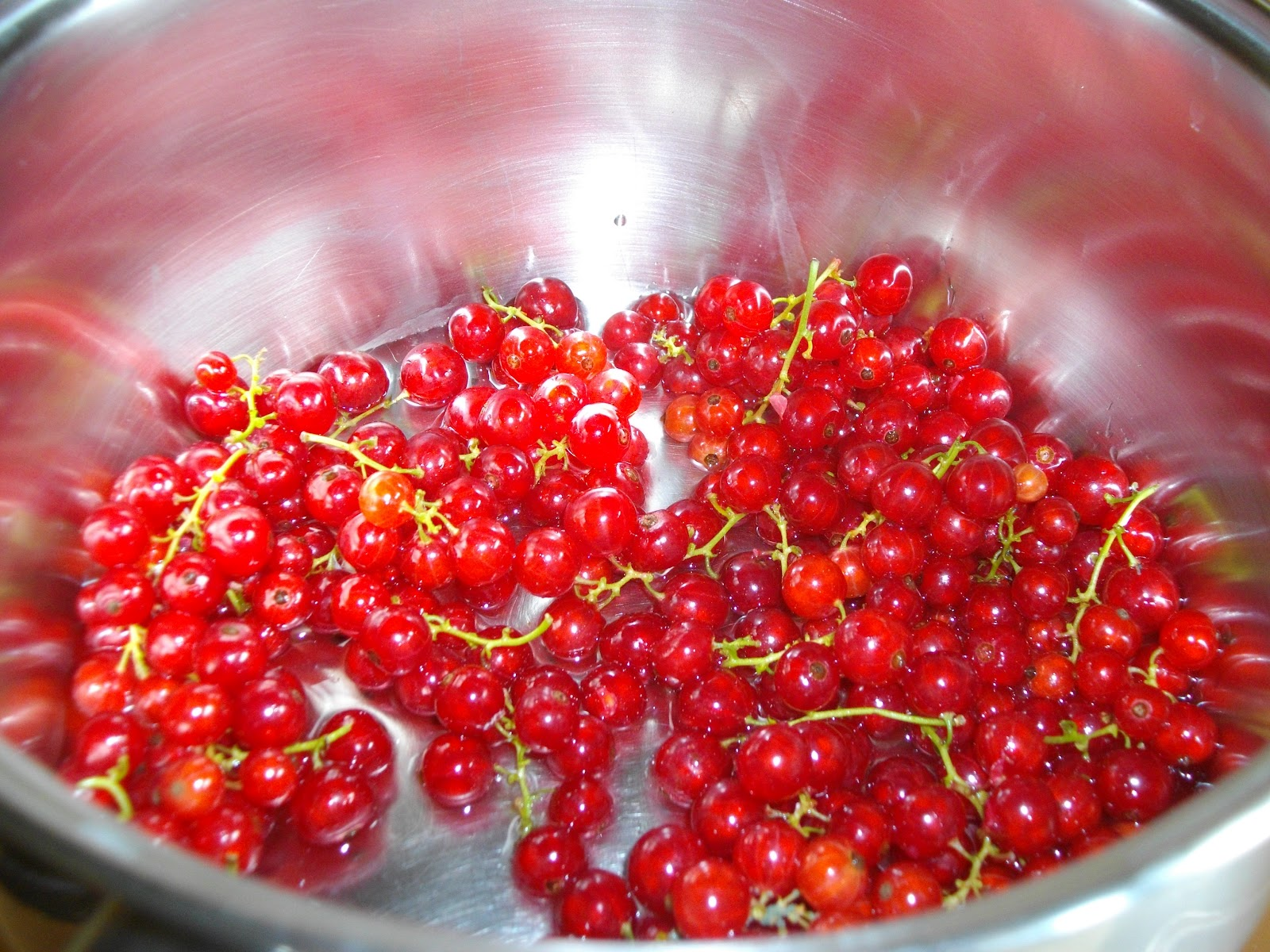 ... -up Garden: How to Make Red Currant Jelly...plus two summer recipes