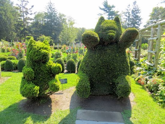 A GUIDE TO NORTHEASTERN GARDENING: Green Animals Topiary Garden ...