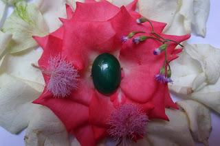 Batu Bertuah, Benda,Pusaka, Mustika Asli, Mustika cepuri hijau
