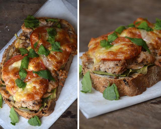 brød med tomat og mozzarella