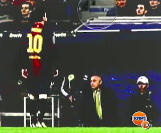 Leo Messi escupiendo al banquillo del Real Madrid en la Copa del Rey
