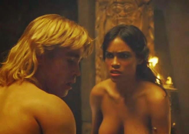 Rosario dawson nue dans alexander