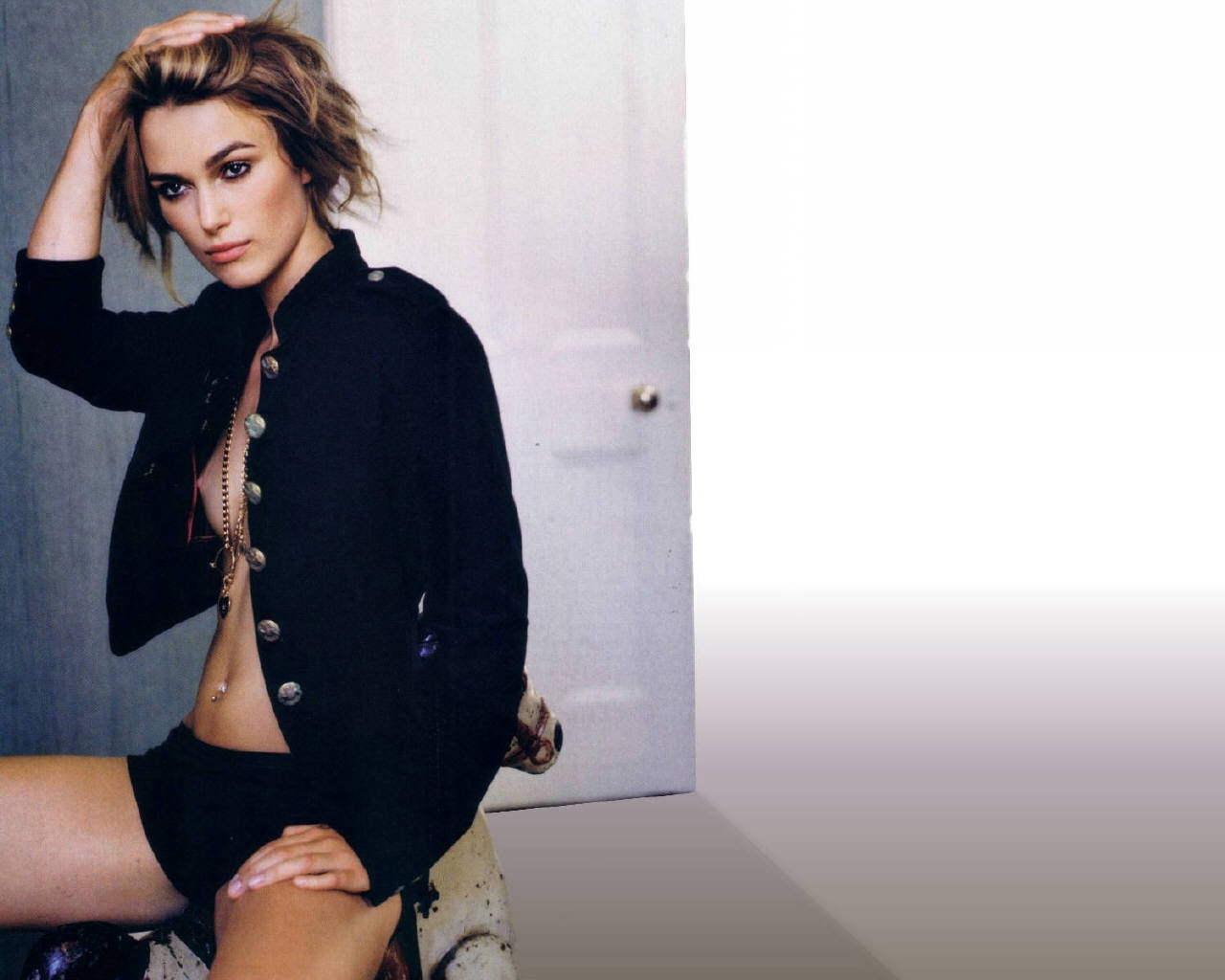 FHM Top 50 Sexiest Women (Year 2006) p01 - 50 Wallpapers ... Keira Knightley