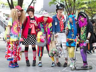Gaya Busana Jalanan Jepang: Nyentrik, Unik, Pantas untuk Dilirik!