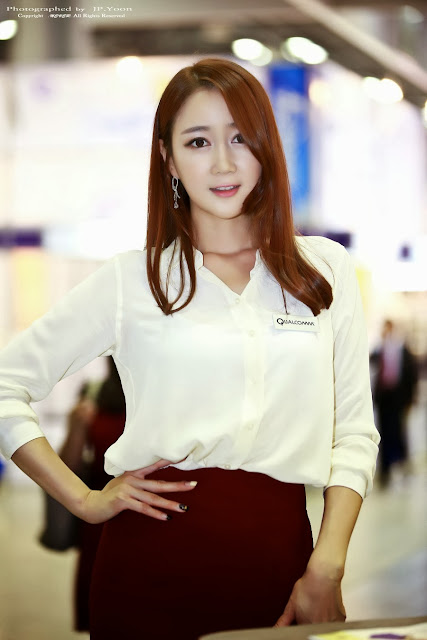 2 Han Chae Yee - Korea Electronics Show 2013-Very cute asian girl - girlcute4u.blogspot.com