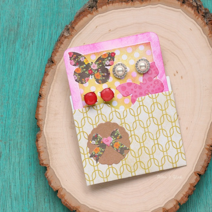 Creative Gift Giving: Earring Holder Card | www.pitterandglink.com