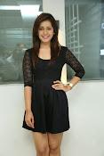 Rashi Kanna latest glam pics-thumbnail-15
