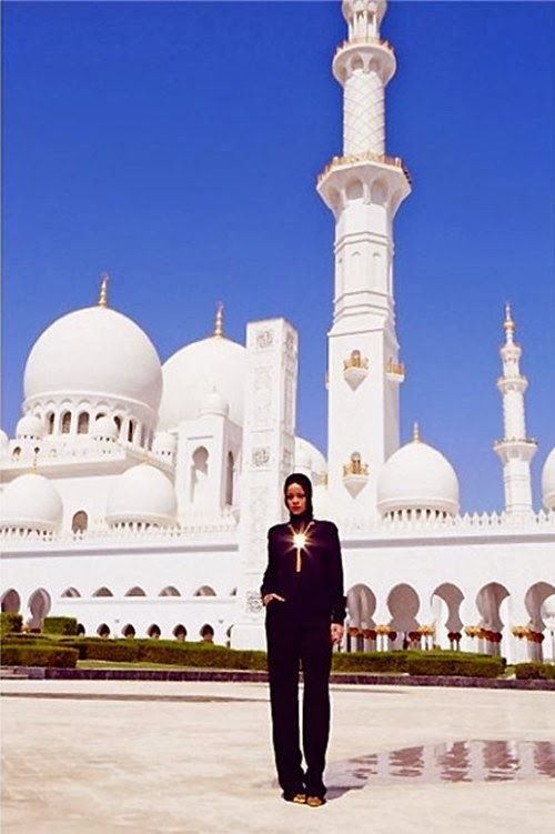 Rihanna Photoshoot in Mosque