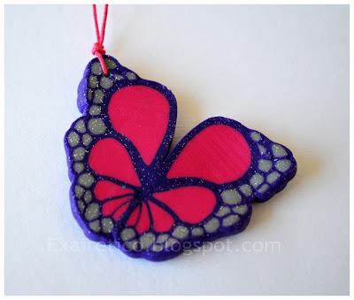 Χειροποίητο κολιέ με φούξια-μωβ πεταλούδα από fimo, κεραμικές χάντρες και κρυσταλλάκια