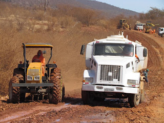 Obras de melhoria e recuperação da estradas que liga Gentio do Ouro a Xique-Xique continua a todo vapor: