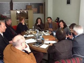 Fotografia da reunião de trabalho, na Fundação Sain