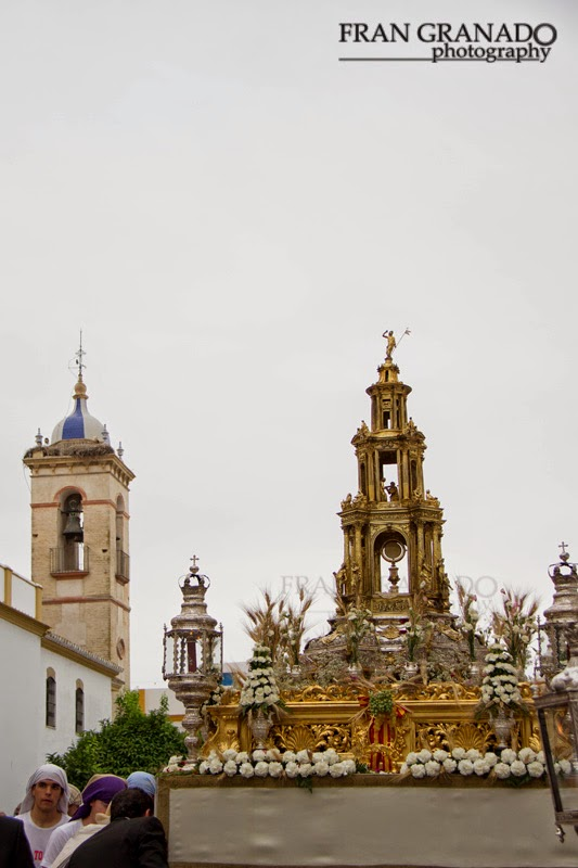 http://franciscogranadopatero35.blogspot.com/2014/07/corpus-christi-de-marchena-declarado-de.html