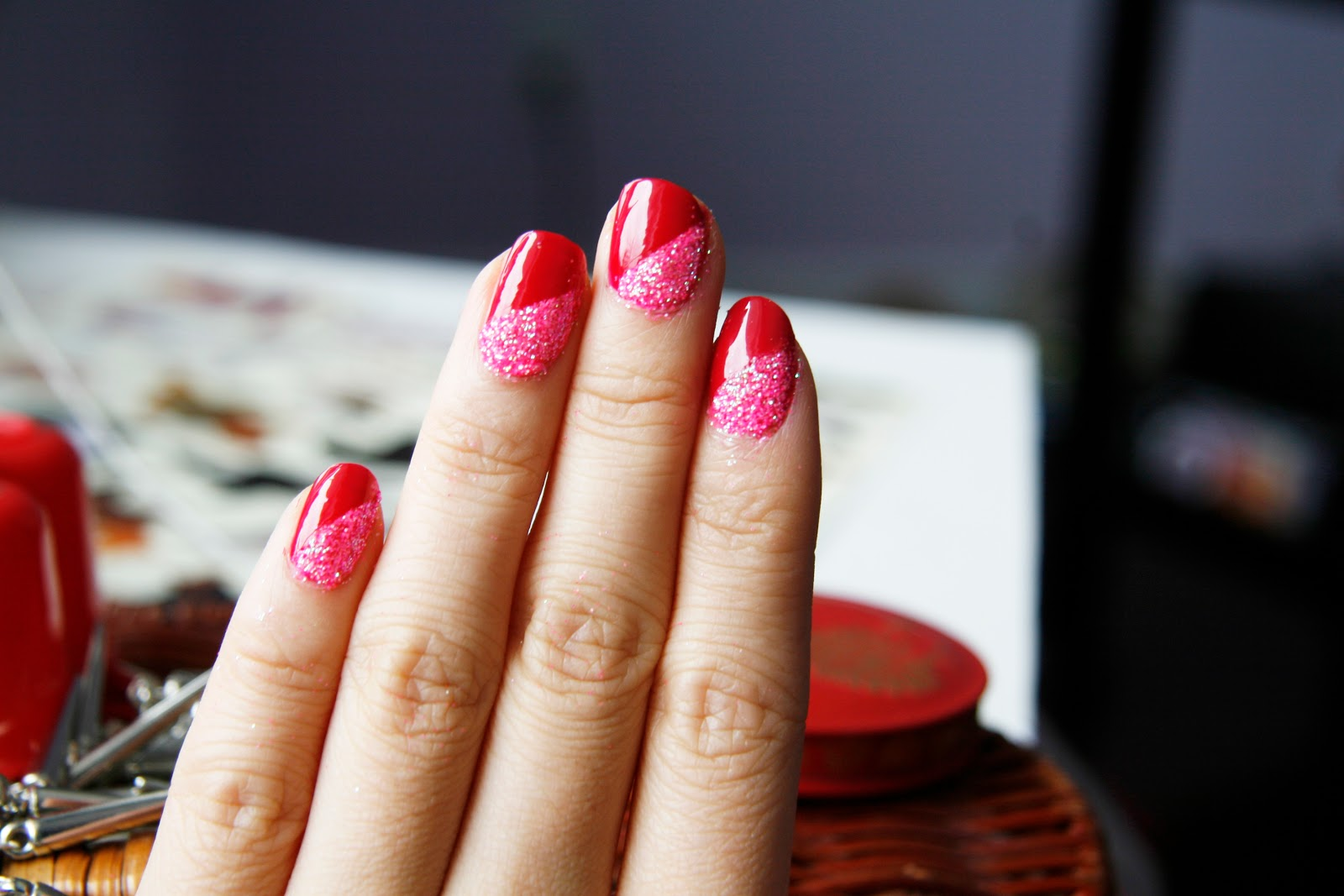fun size beauty: Valentine`s Day Nail Art #1 - Glitter for the ...