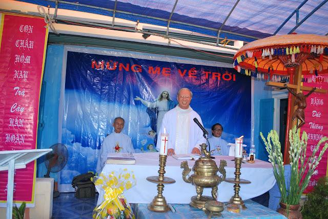Họ Đạo Trà Câu Mừng Lễ Bổn Mạng Đức Mẹ Hồn Xác Lên Trời