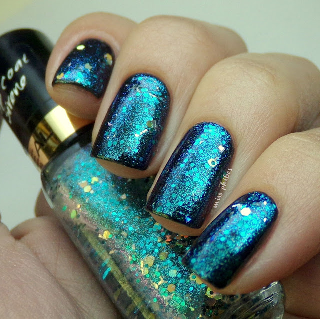 L'oreal Under my spell nail polish