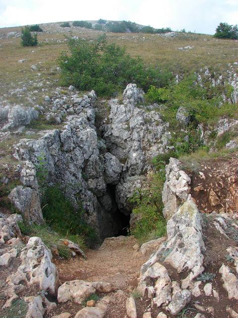 Вход в пещеру Терпи-Коба