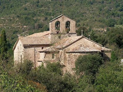 El conjunt de Sant Pau de Casserres des del Porxo de Cal Daniel