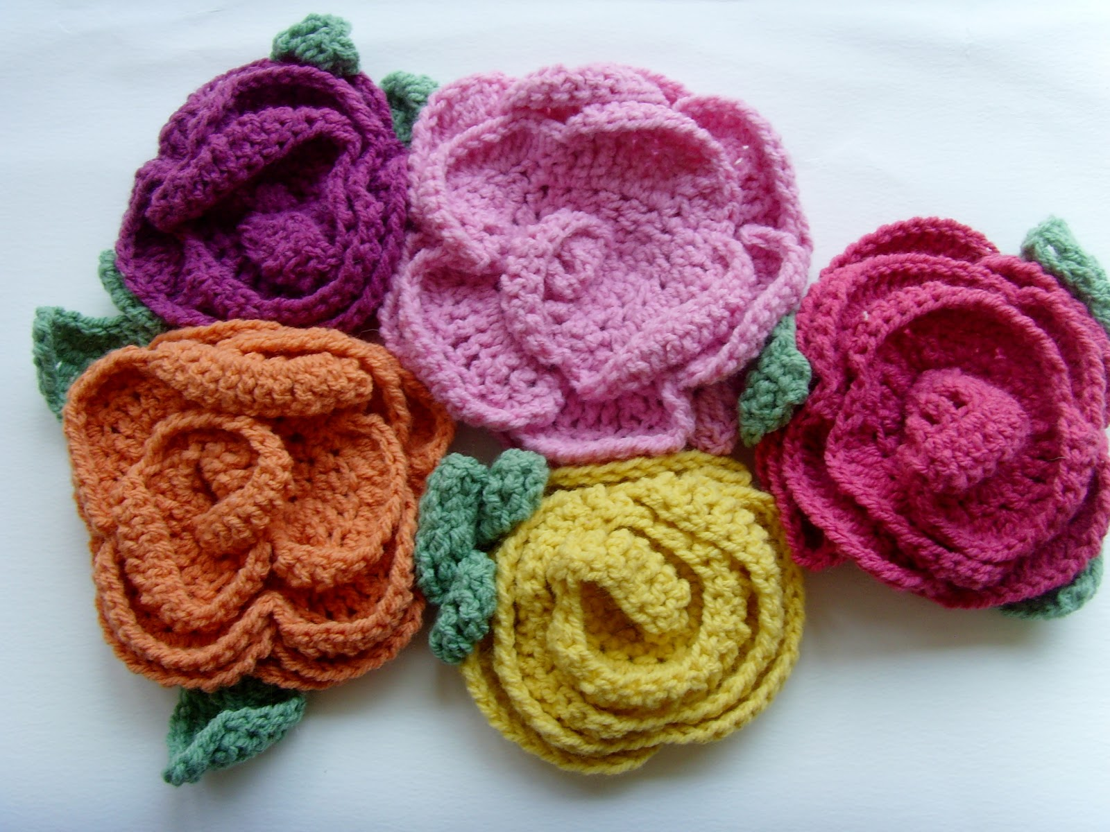 Free Crochet Pattern Large Flower : Bee and Buzz: Big Crochet Flowers