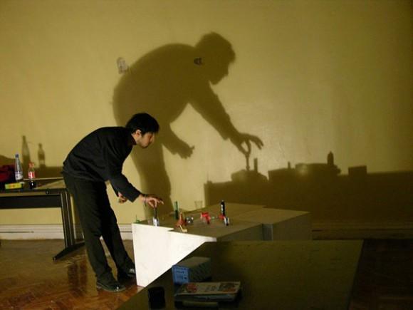 يصدق الرسم باستخدام الضوء والظل