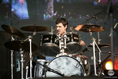 Gonçalo Silva on the drums live