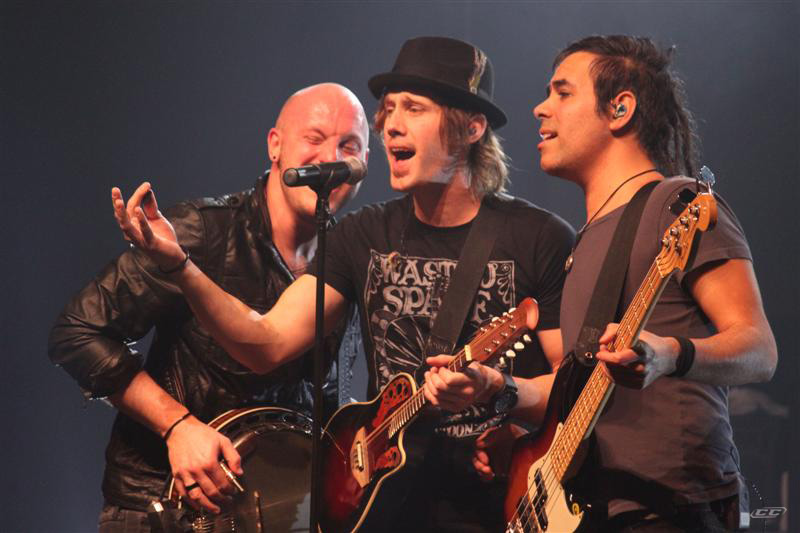 Building 429 - We Wont be Shaken 2013 live performance on stage