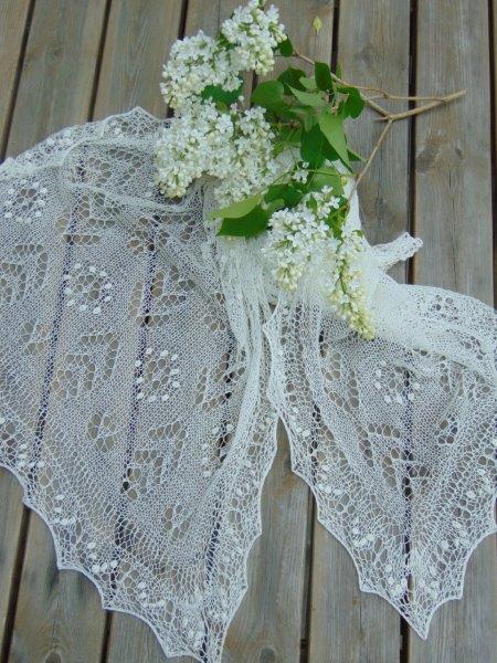 TE KOOP: bruidssjaal extra groot.