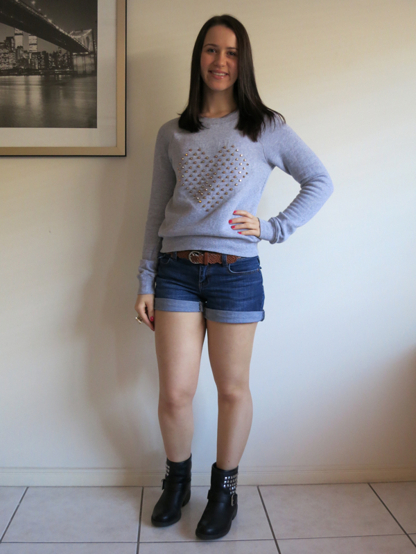 petite girl outfit, college outfit, university outfit, dark wash denim shorts, denim shorts and motorcycle boots, grey marle jumper