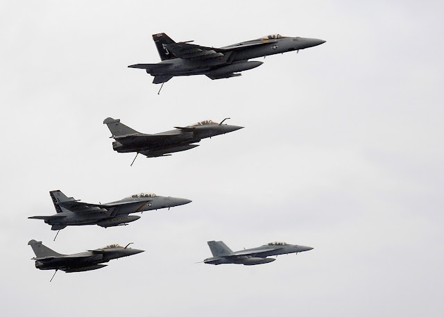 F-18 and Rafale formation